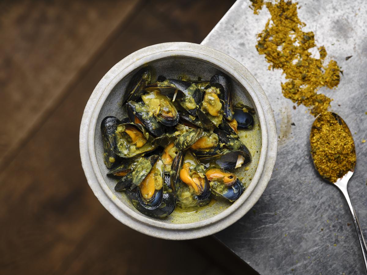 Mejillones de bouchot al curry de algas